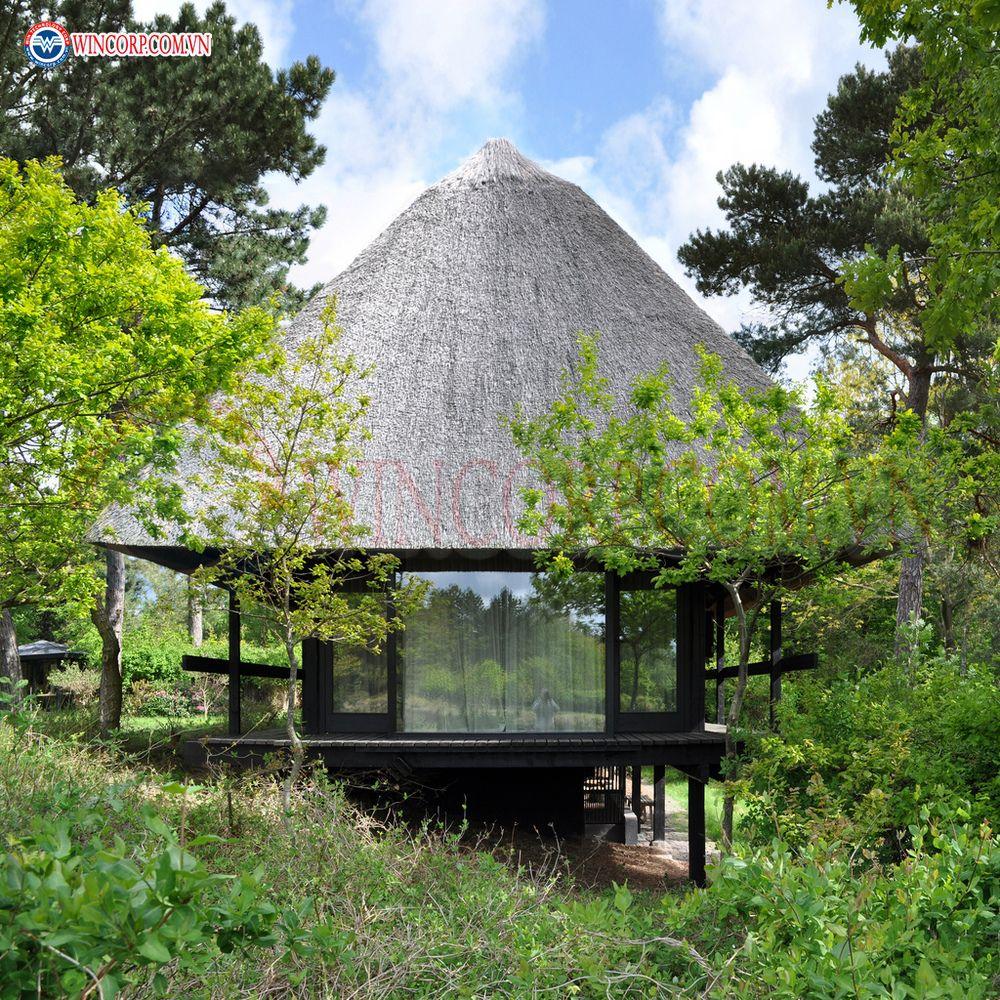 Nhà vườn giữa rừng